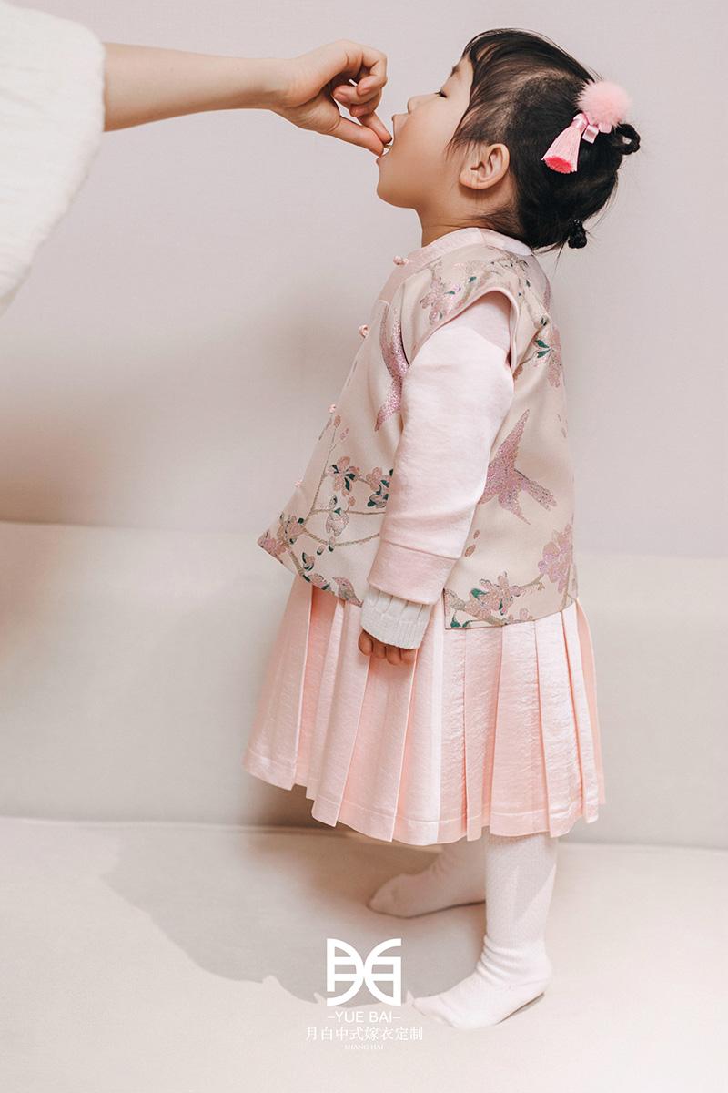 新中式汉服童装:画扇