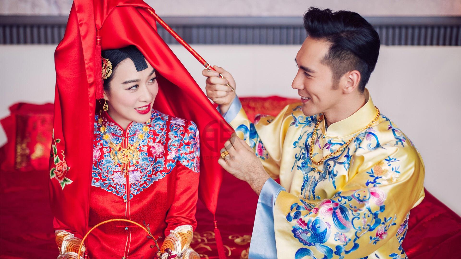 月白为钟丽缇婚礼打造中式嫁衣